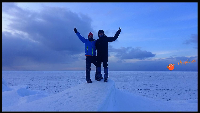 Lago Baikal en invierno. Siberia