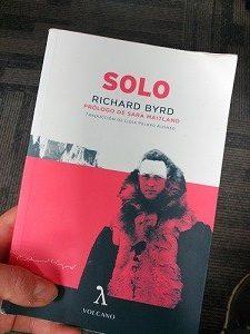 Un libro como cosas que hacer en un vuelo largo