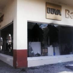 Banco Bancomer en Tuxpan, Jalisco. Por: Lauro Rodríguez
