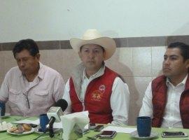 """""""El PRI va arriba en las encuestas"""": Chava Barajas"""