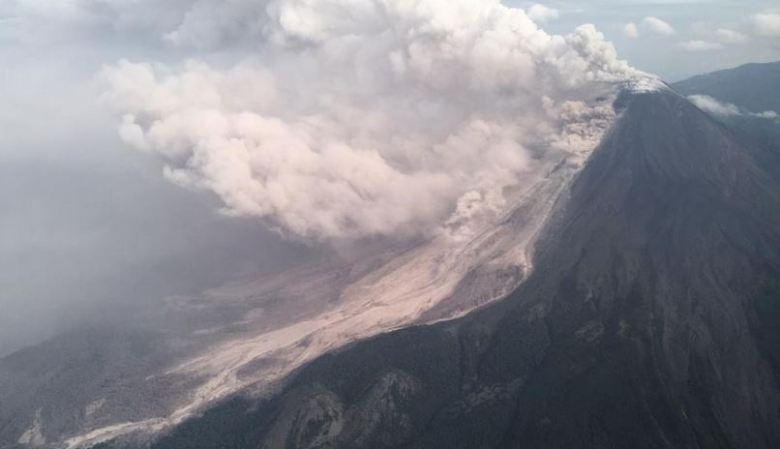 Ante actividad volcánica, evacuan 9 comunidades de Jalisco