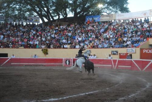 Emiliano Gamero y El Chihuahua triunfan en El Grullo