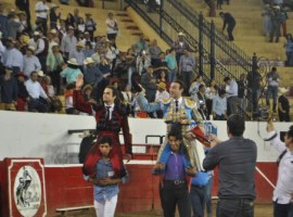 Ponce y Sánchez salen a hombros en Autlán