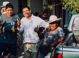 Edwin Romero comparte sus propuestas en delegaciones de Tuxpan
