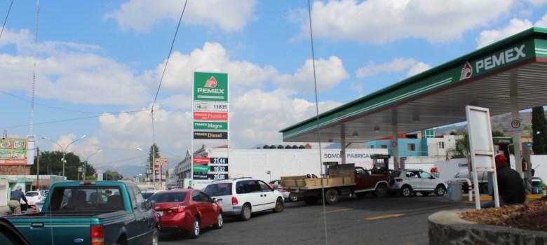 Compras de pánico provocan escasez de gasolina en Ciudad Guzmán