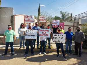 Profesores del Cobaej trabajan bajo protesta