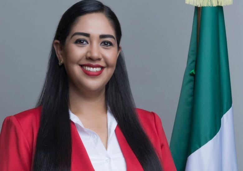 Ariana Barajas pide licencia para buscar la reelección en Gómez Farías