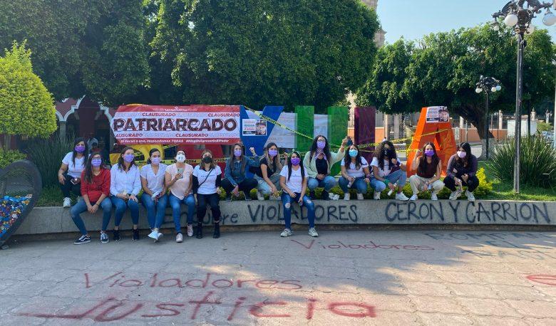Paritaristas acusan a Carrión de encubrir a un violador, clausuraron presidencia de Sayula