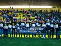 Mazorqueros homenajeó a los semifinalistas de la temporada 1989/90