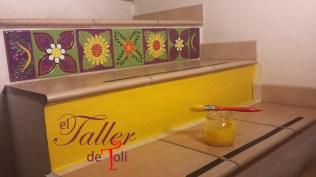 escalera-mayolica-salta-taller-toli-cuerda-seca-artesanal-arquitectura-diseno-construccion-ceramica-esmaltado-horno-argentina-clases-mosaiquismo-artesanal-decoracion-arte-mosaico