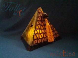 piramide-arte-art-artesania-clay-craft-vitrofusion
