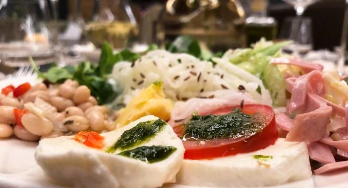 Bergland Hotel Sölden Wellness essen Saltbuffet