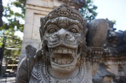 Steinbildhauer-Kunst im Uluwatu-Tempel