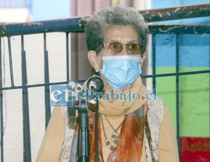 Una verdadera clase magistral brindó la escritora y gestora cultural Luz Gatica al momento de presentar su libro 'Pilares de Esquina de Aconcagua'.