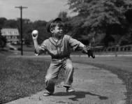 Fotos-viejas-de-niños-jugando-sin-Internet-ni-consolas-12