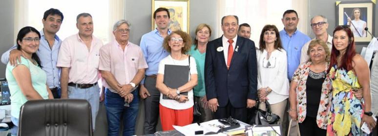 El Club de Leones donó un equipo de odontología y un equipo de Rayos X al municipio de Termas