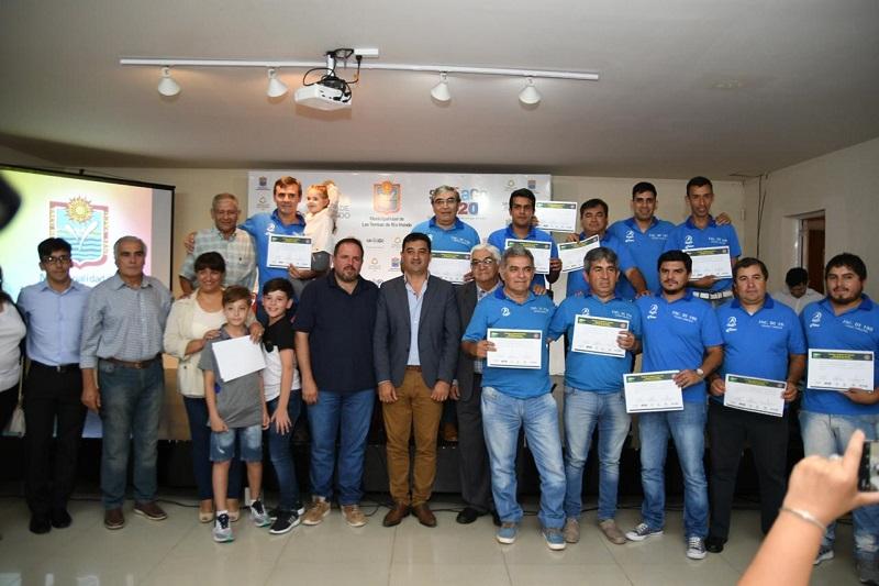 Se entregaron certificados del curso de  director nacional de tecnico, taller de edición y filmación de video
