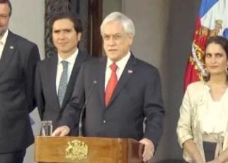Piñera cede pero vandalismo en Chile no