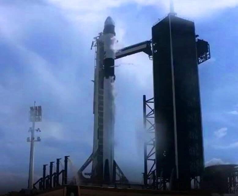 SpaceX lanza su primera misión a la Estación Espacial