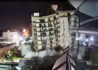 Estructura remanente del edificio de Surfside fue derribada