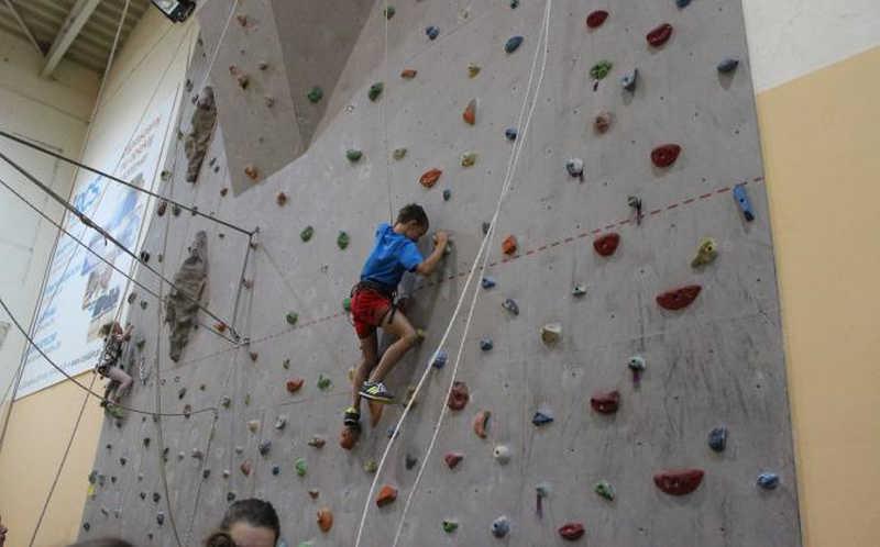 AKCJA LATO 2017-Zajęcia na ściance wspinaczkowej