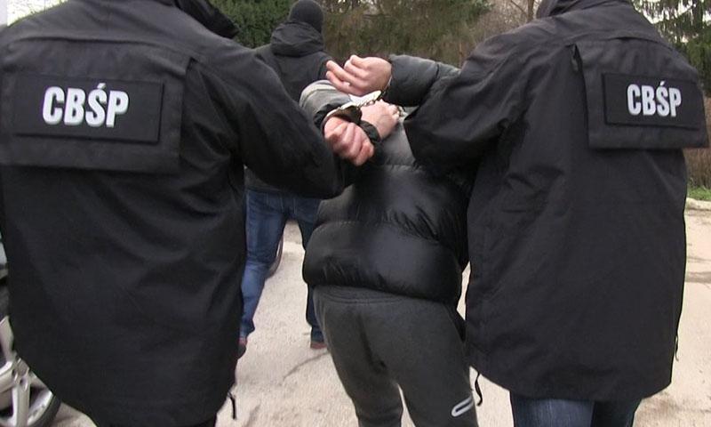 """""""Łowcy cieni"""" złapali groźnego przestępcę z Lubina. Był poszukiwany w całej Europie"""