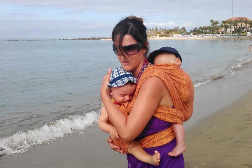 portear a dos bebes a la vez