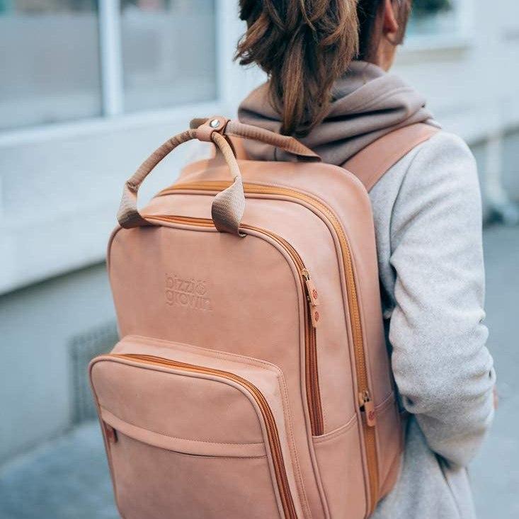 mochila de maternidad que se transforma en minicuna de viaje