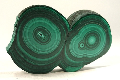 Malachite amplifies emotions, both good and bad, so be very careful when wearing Malachite while in a sour mood – you will be made more miserable. -- Malachite Metaphysical Properties