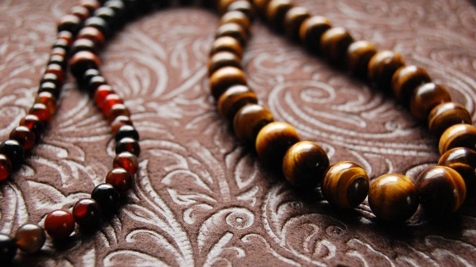 When it comes to wealth building and entrepreneurial pursuits, tiger's eye is an ideal stone.  It assists with skill-building and can heighten attention to detail, as well as improve focus and clarity. -- Tigers Eye Stone Meaning and Uses
