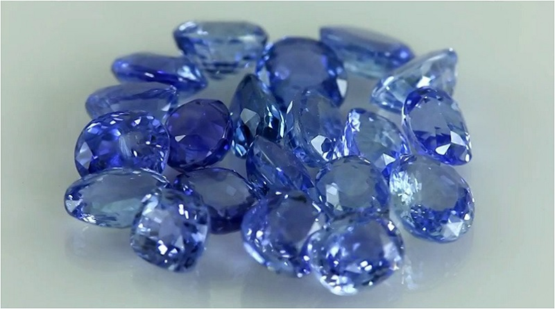 The Heaven's Stone: Sapphire Stone Meaning and Uses — Crystal Meanings