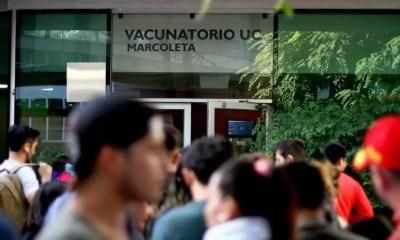 Foto_-_Vacuna_coronavirus_vacunatorio_UC