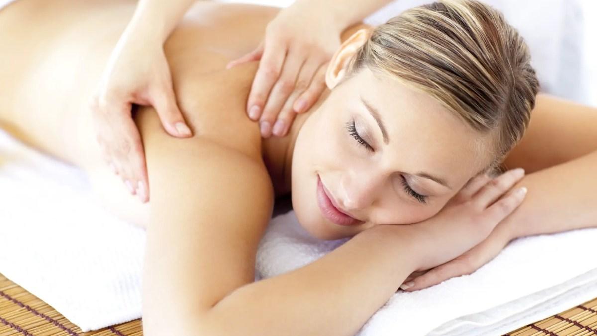 Los 6 mejores beneficios del masaje postnatal