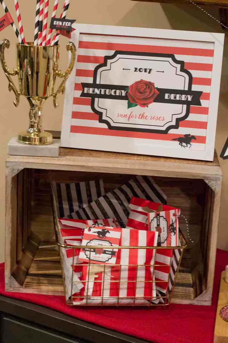 Kentucky Derby Party Favors and Sign | Free printables available at Elvamdesign.com. Now updated to be used any year!