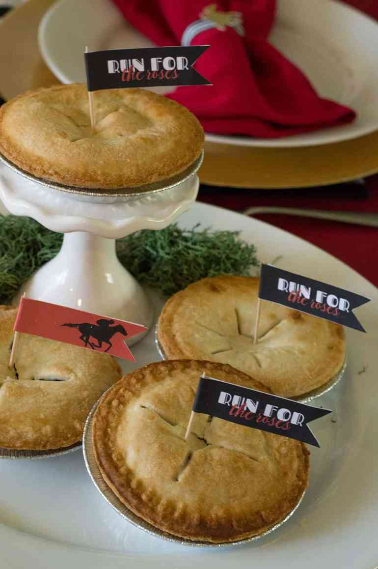 Kentucky Derby Party Pies with flags   Download the free printable at elvamdesign.com