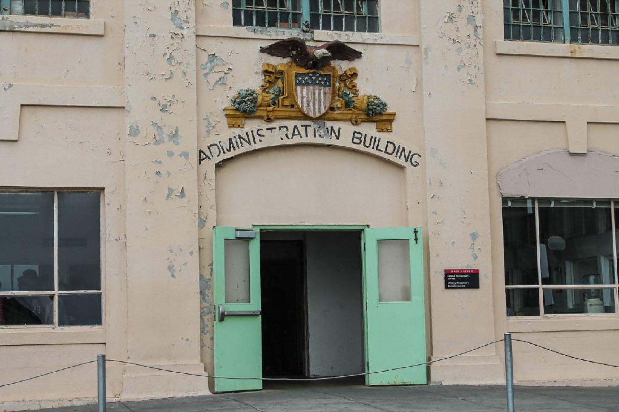 Alcatraz-53