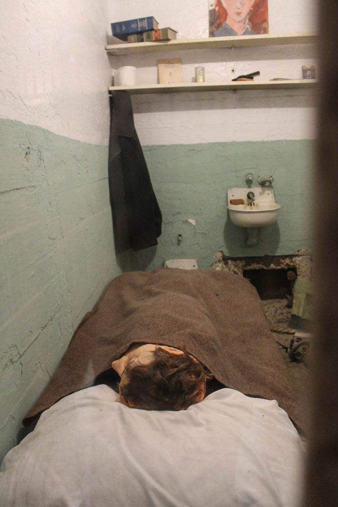 Alcatraz-56