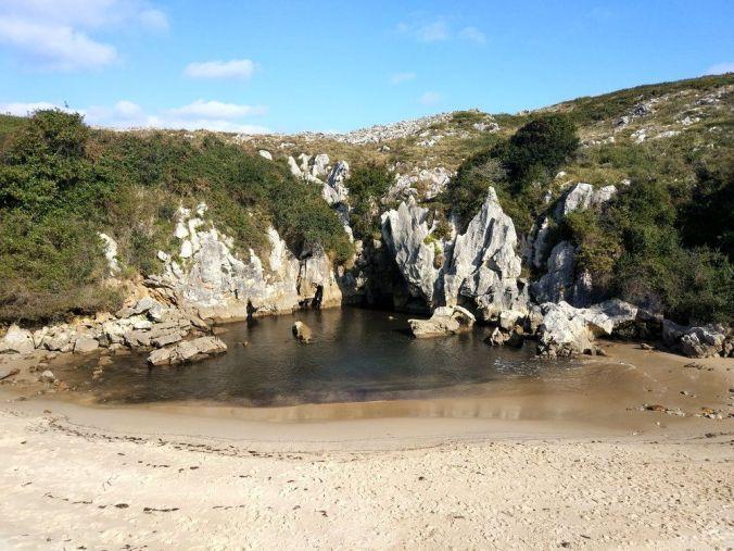 Playa Gulpiyuri - Asturias - El Viaje No Termina