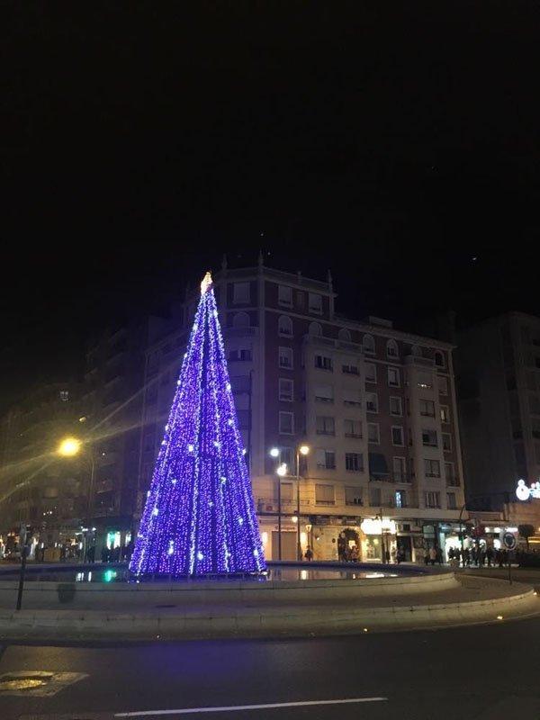 arbol-reno-4 Paseando por las luces, la navidad en 2017