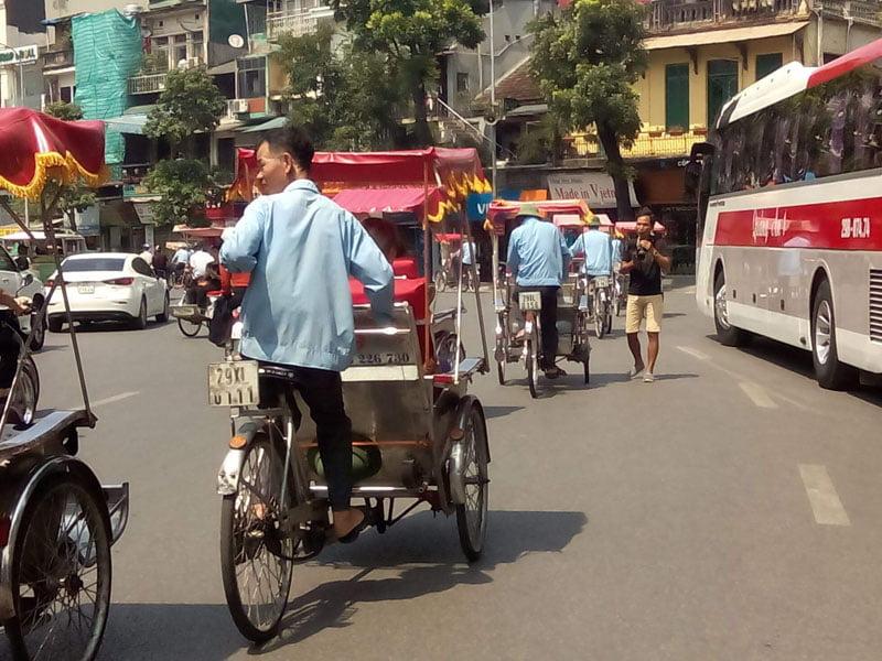 En ciclo tuc por Hanoi