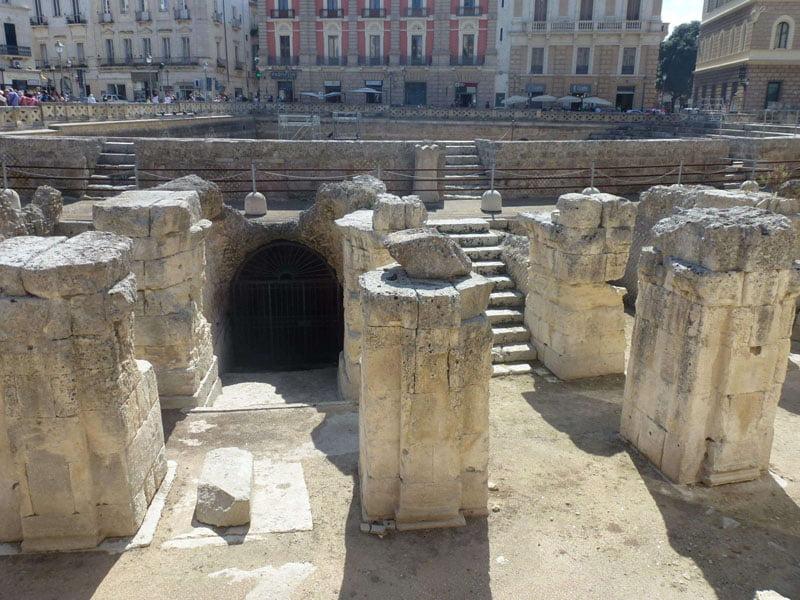 Anfiteatro romano en la plaza del Sedile en Lecce