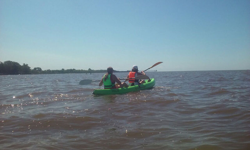 En kayak por el Río de La Plata