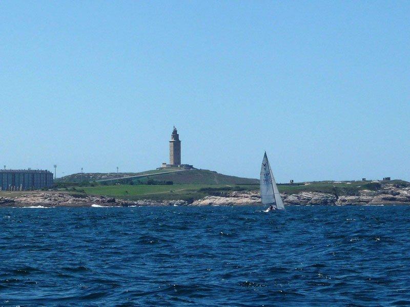 Torre de Hércules desde el mar
