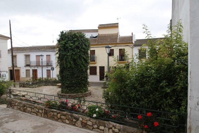 En la plaza de Santa Ana en Cañete de las Torres en Córdoba