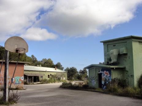 DSC02069 S'Enclusa antiga base militar nord-americana