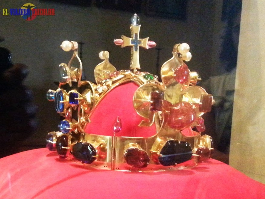 Réplica de la Corona Checa