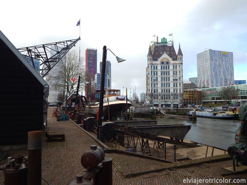 Arquitectura moderna y antigua de Rotterdam
