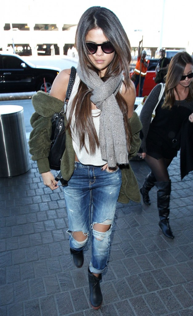 Selena Gomez Airport Outfit