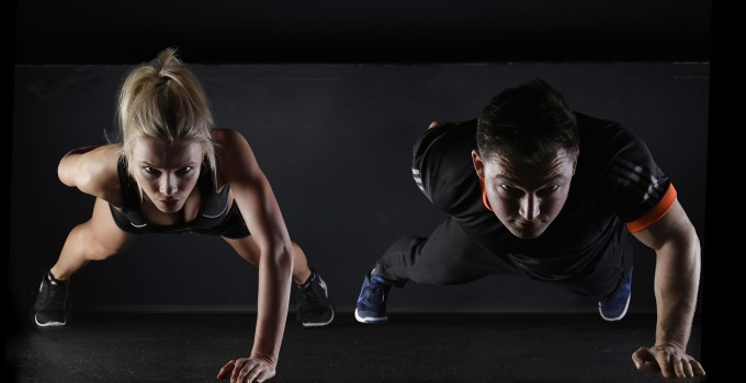 """手機減肥器下載 設定目標加上飲食的體重管理APP """" 徐緩地瘦身 """""""