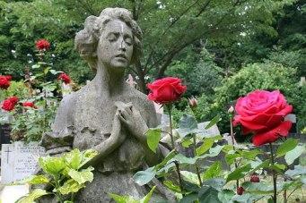 rose-grave-emily-dickinson